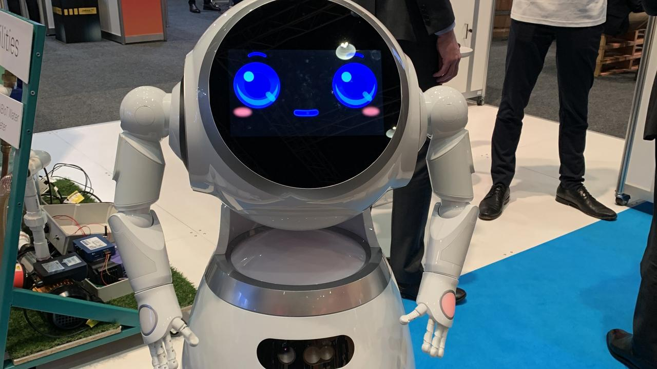 A real life Telstra robot, Cruzr the robot - that has potential use as a concierge - was one of the innovations on display at the Telstra Vantage conference.