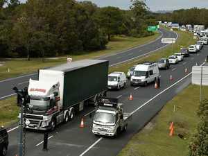 Massive traffic jam at border as police conduct new checks