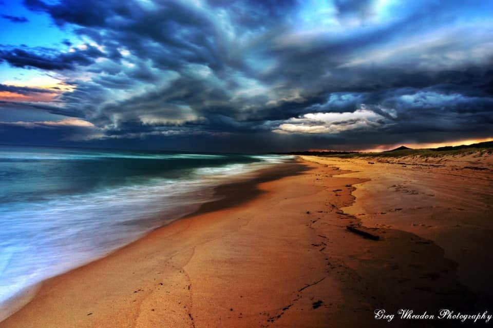 Storm heading out to sea (Greg Wheadon)