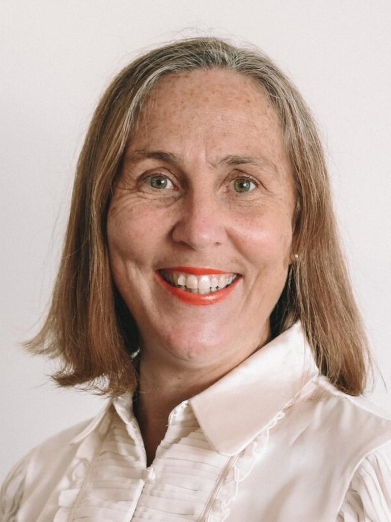 Cr Karen Finzel.