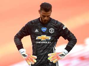 Keeper mocked after Man Utd's Cup exit