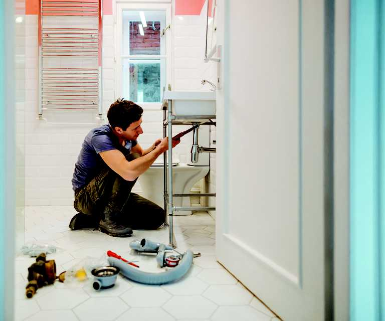 How to know when it's time to call a plumber
