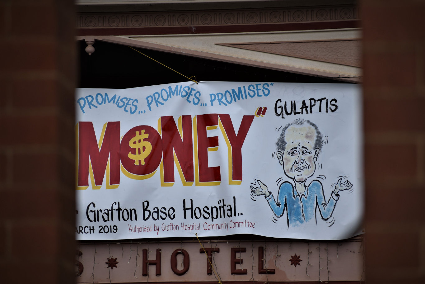 The Grafton Base Hospital Community Committee has erected a large banner in Prince St demanding action on Grafton Base Hospital upgrade.
