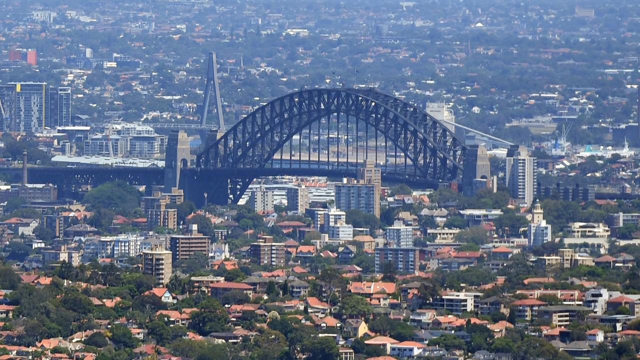 Residents of Sydney's wealthiest suburbs earn five times more than the poorest.