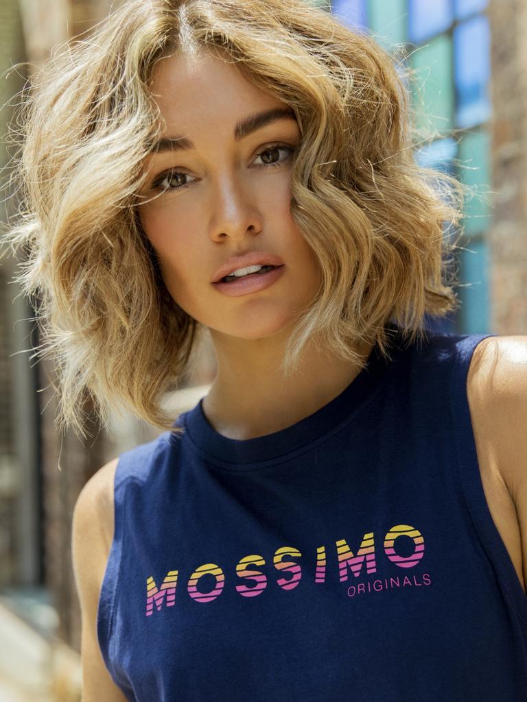 Model Erin McNaught.