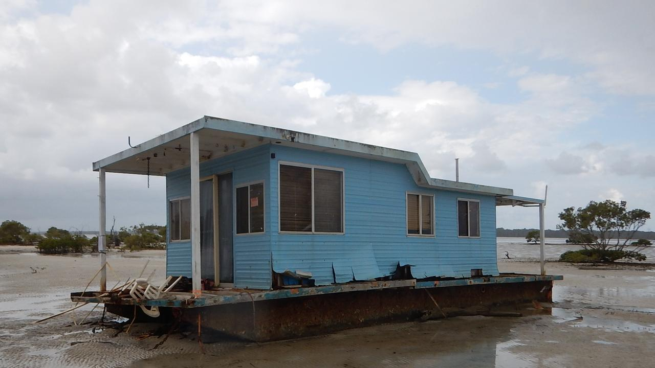 A wrecked house boat. Picture: QLD Government