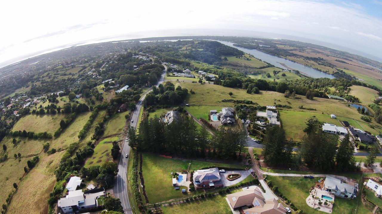 Terranora Road snakes its way east along the ridgeline towards Tweed Heads South and Kingscliff. Banora Point can been seen in the left of the image with Chinderah and Cudgeon towards the centre top and Kingscliff to right.Photo: Scott Powick Daily NewsTWE210815aireials