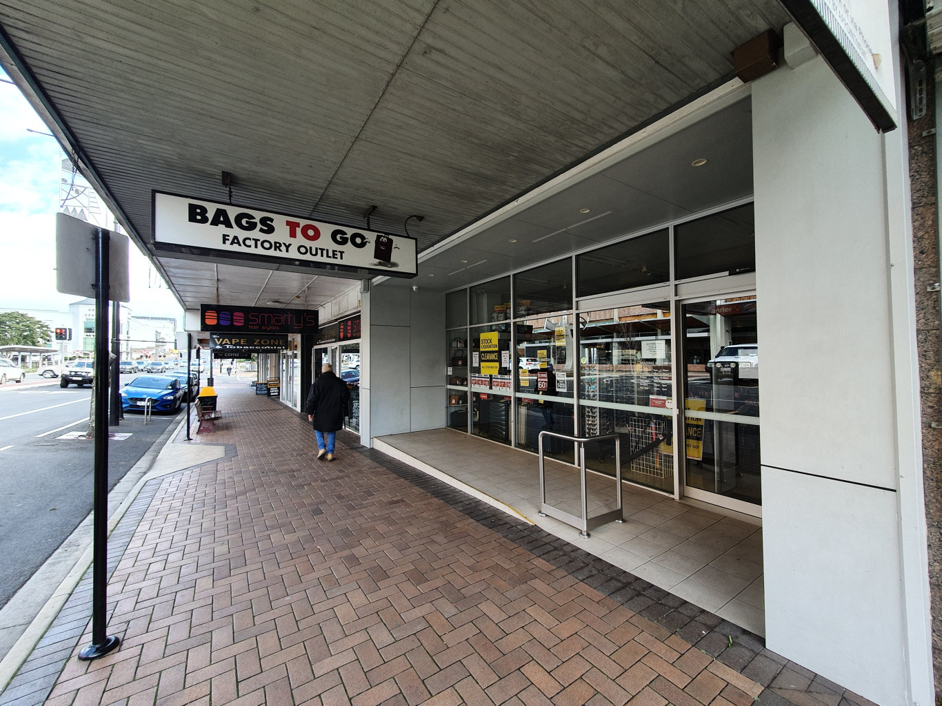 Toowoomba's Bags to Go Factory Outlet is currently closed.