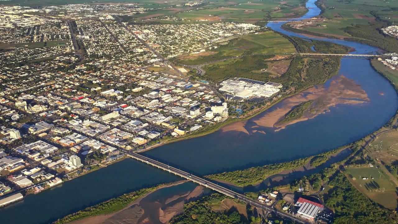 Aerial image of Mackay city and Pioneer River.