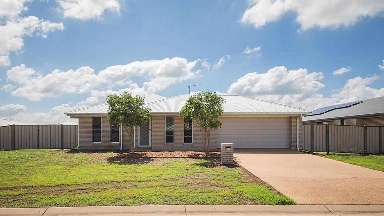 Mr Real Estate had four signed contracts on 14 Belltrees Pl, Gracemere, all above the original price.