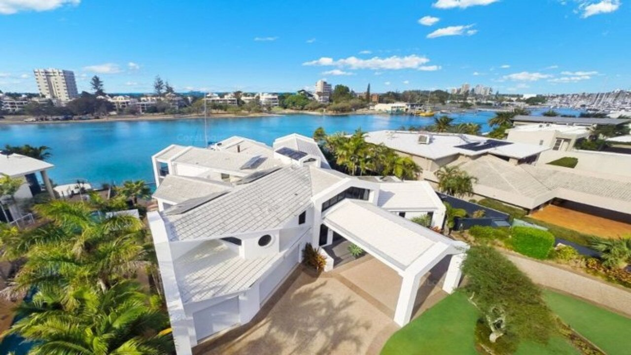 This home was the most recent sold on Minyama Island, and fetched $4.6 million in September 2018.
