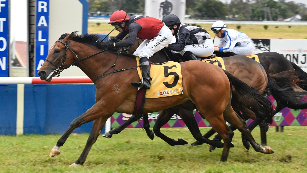 After some early trouble in the barriers before the race started, Michael Costa trained Reus stormed home late to take out the $80,000 Tursa Grafton Guineas (1600m).