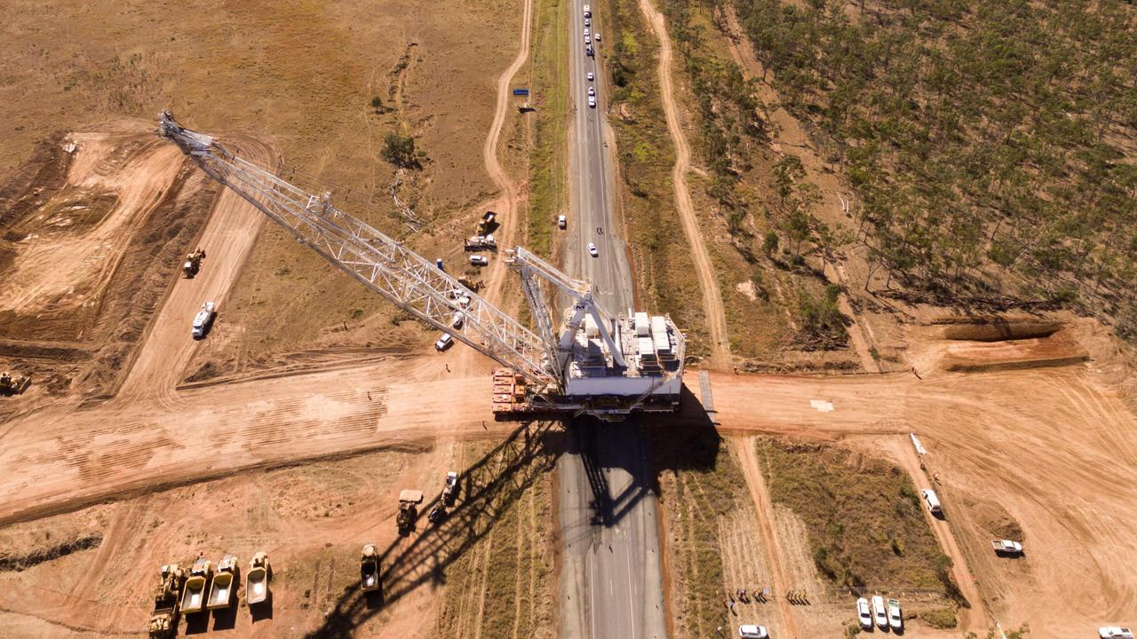 Drone footage of the dragline crossing the Peak Downs Highway in 2017.