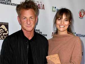 Sean Penn weds Aussie girlfriend, 28