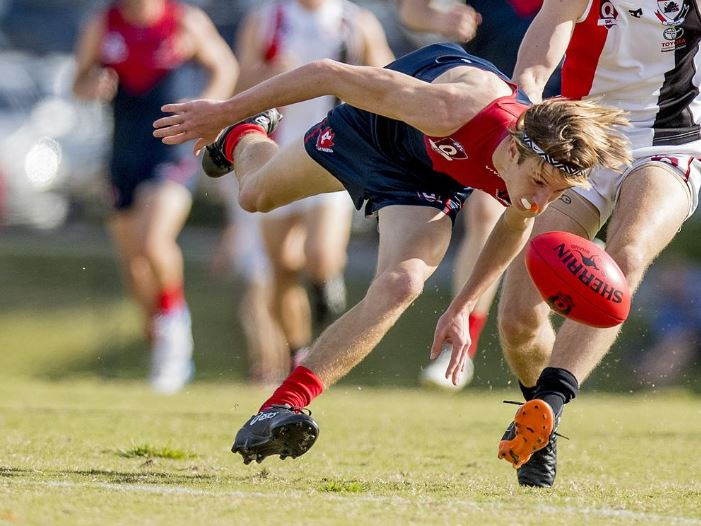 QAFL Austrailan rules game between Surfers Paradise and Morningside at Sir Bruce Small Park on Saturday. Surfers Paradise's Max Pescud. Picture: Jerad Williams