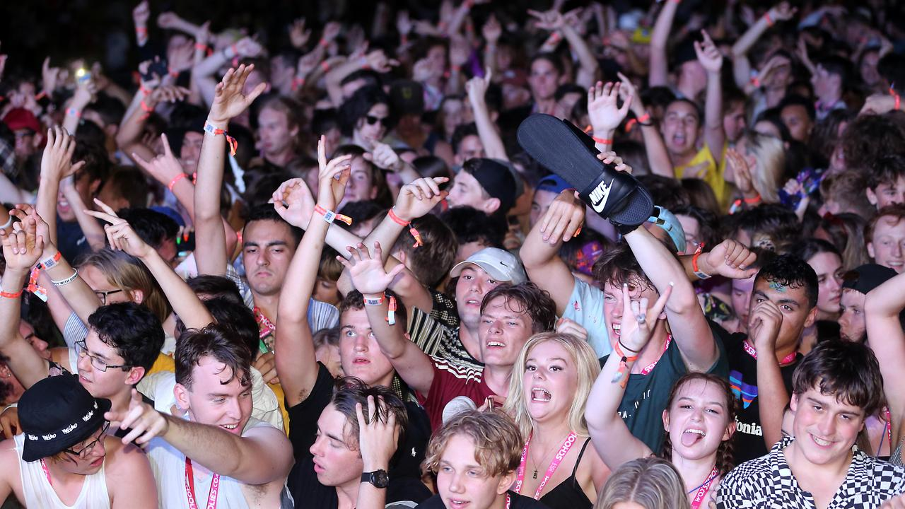 How would police enforce social distancing at Schoolies? Picture: AAP Image/Richard Gosling