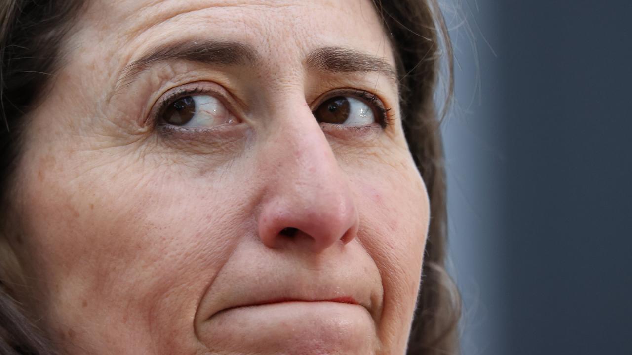 Plea to Gladys Berejiklian: Please shut down Melbourne's flight infection highway
