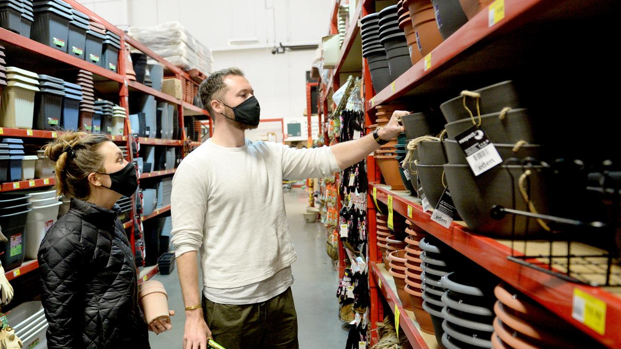 Shoppers at Bunnings have also been encouraged to wear face masks, and it is now mandatory for the hardware chain's distribution centre staff. Picture: NCA NewsWire / Jeremy Piper