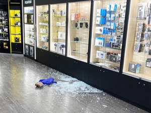 Thieves ram raid Coast shops and flee in hire van