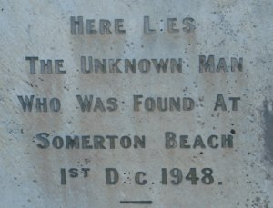 The headstone of the unknown man. Source: Wikipedia