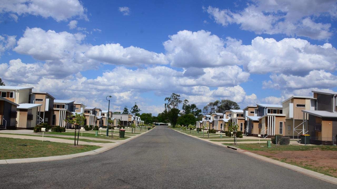 Empty houses and streets in the coal mining town of Glenden in the seat of Burdekin Photo: John Andersen