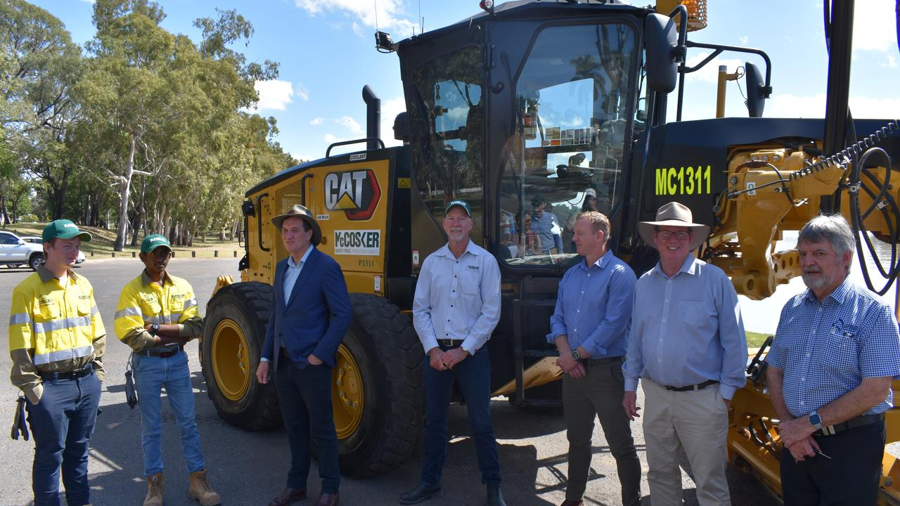 ROOKWOOD ANNOUNCEMENT: Natural Resources Minister Anthony Lynham, Rockhampton MP Barry O'Rourke, Sunwater's Michael Pittman and Capricorn Enterprise's Neil Lethlean, were delighted to introduce CQ's McCosker Contracting staff and managing director Bob McCosker (centre), who will co-build Rookwood Weir.