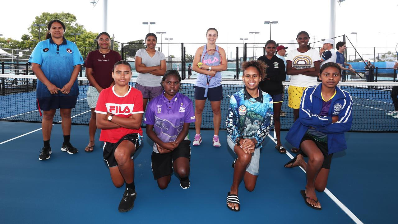 Ash Barty with girls from AFL Cape York House. Picture: Tennis Australia/Jason O'Brien