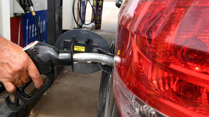 Fuel fraudster made passenger fill car up in brazen theft