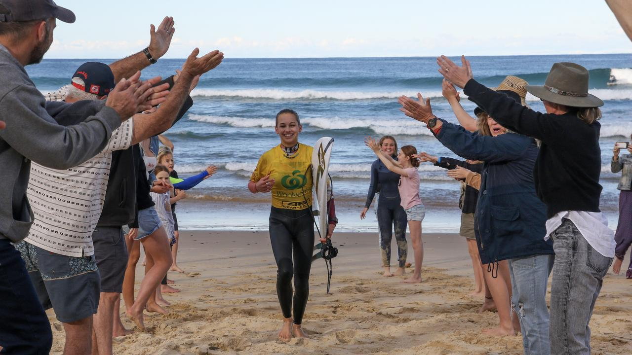 Sawtell's Rosie Smart takes out the 2020 Under-16 NSW Junior Titles on home turf. Photo: Josh Brown / Surfing NSW.
