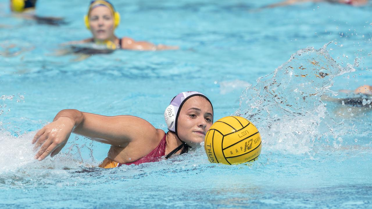 Tenealle Fasala in action for Queensland Thunder in March this year.(AAP Image/Renae Droop)