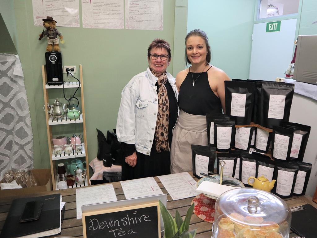 Jarni Kemp (right) with her mother-in-law Jill Kemp.
