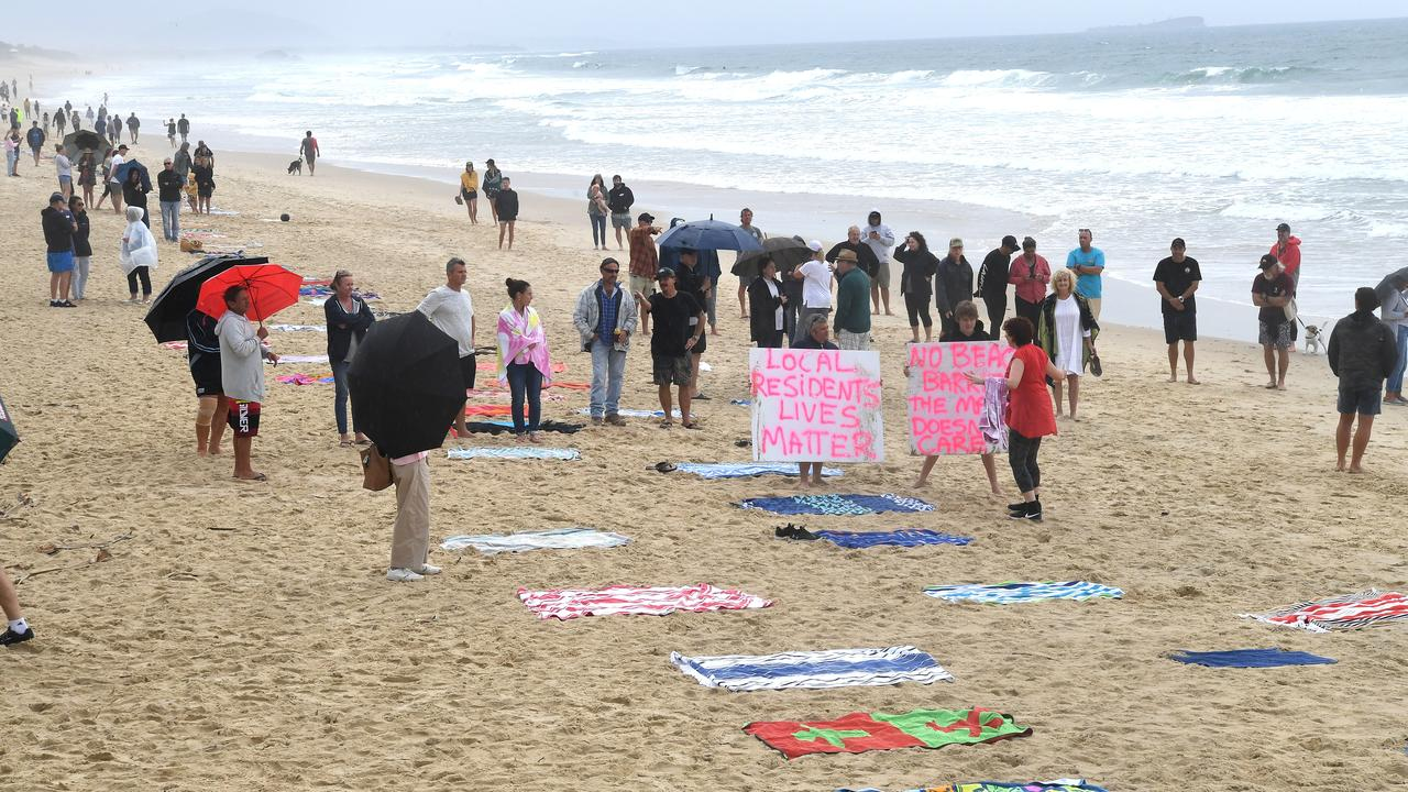 Beach Matters cycleway rally at Alex Beach.