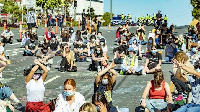 'Go around the damn bridge': Story Bridge protest back on
