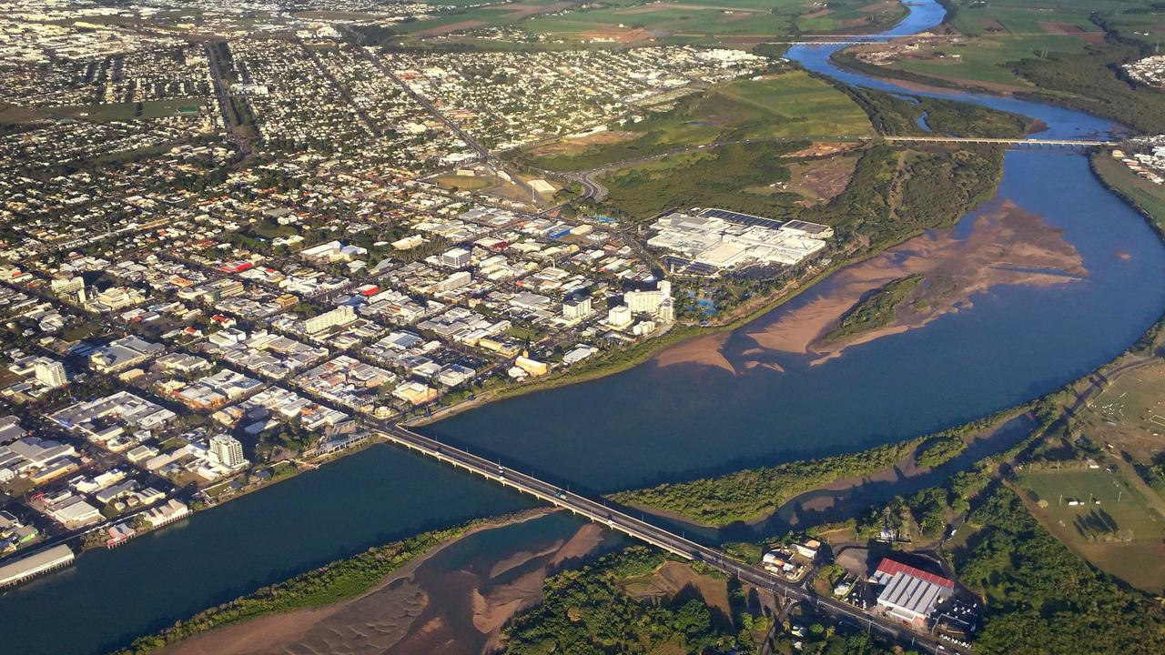 Aerial image of Mackay city and Pioneer River