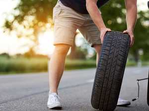 How to change a flat tyre in five steps