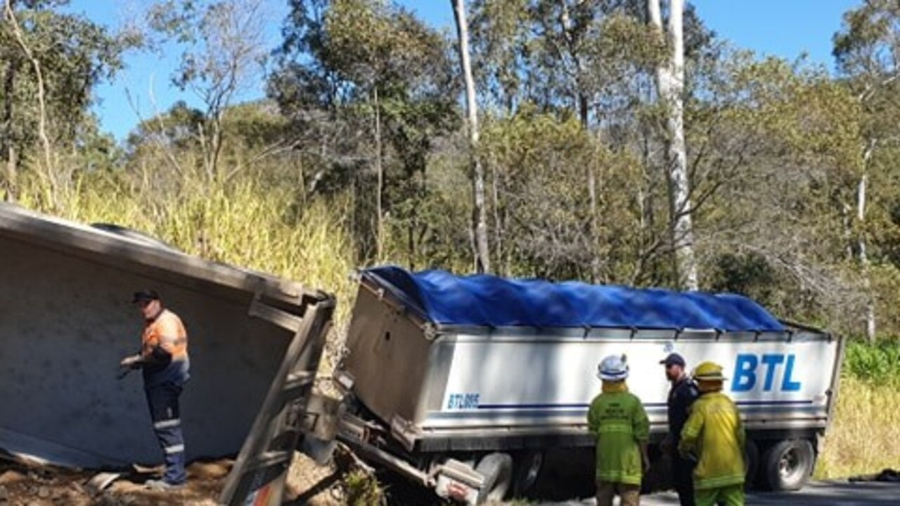Workers clear the scene of a bad truck crash at Moy Pocket this morning. Photo: Frances Klein
