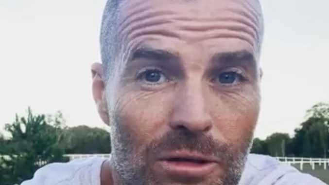 Evans slams celebs in bizarre video rant about the sun, NZ
