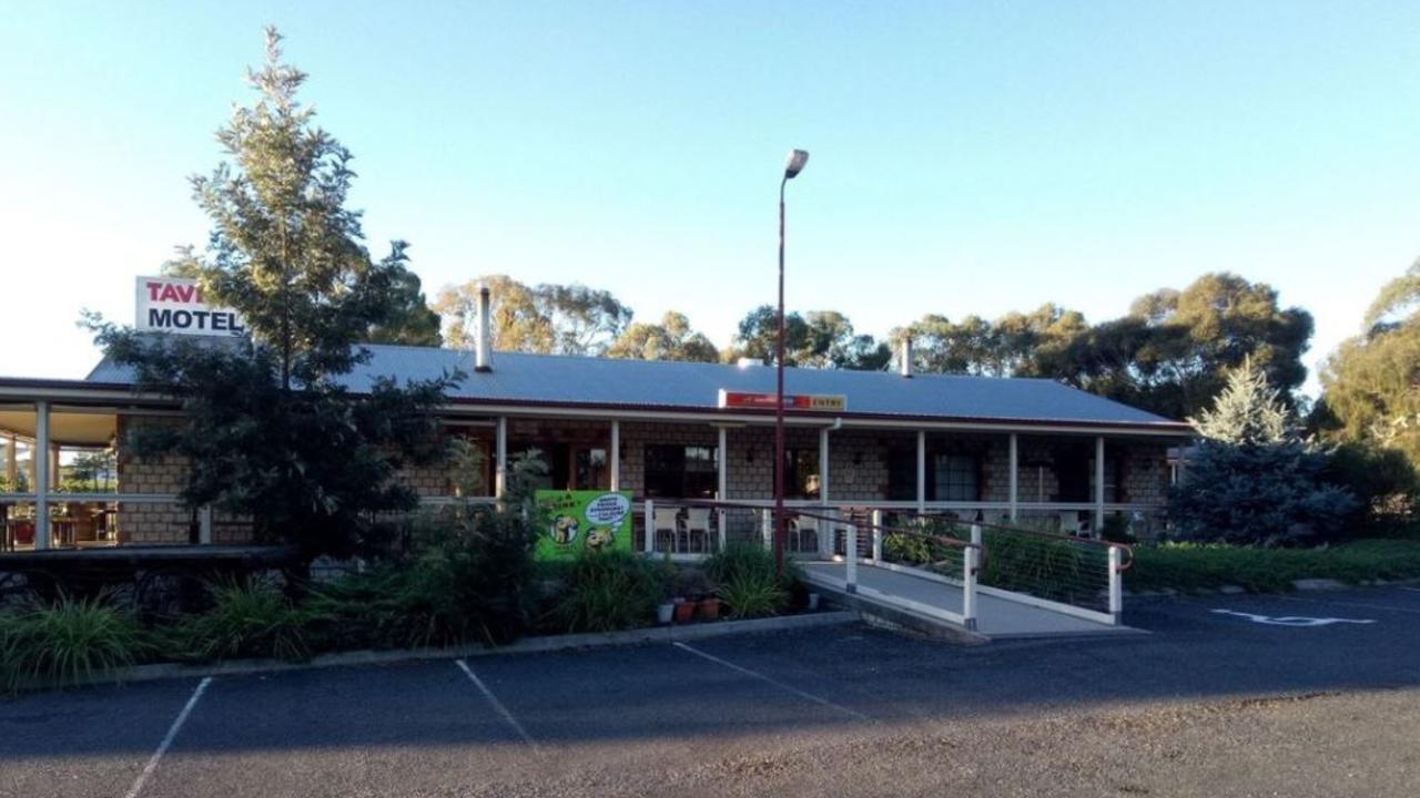 Ballandean Tavern.