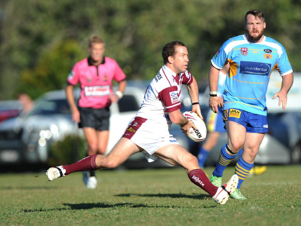 Kawana's Paul Cohen distributes in the rugby league match against Noosa/Gympie at Stockland Park. Photo: Iain Curry