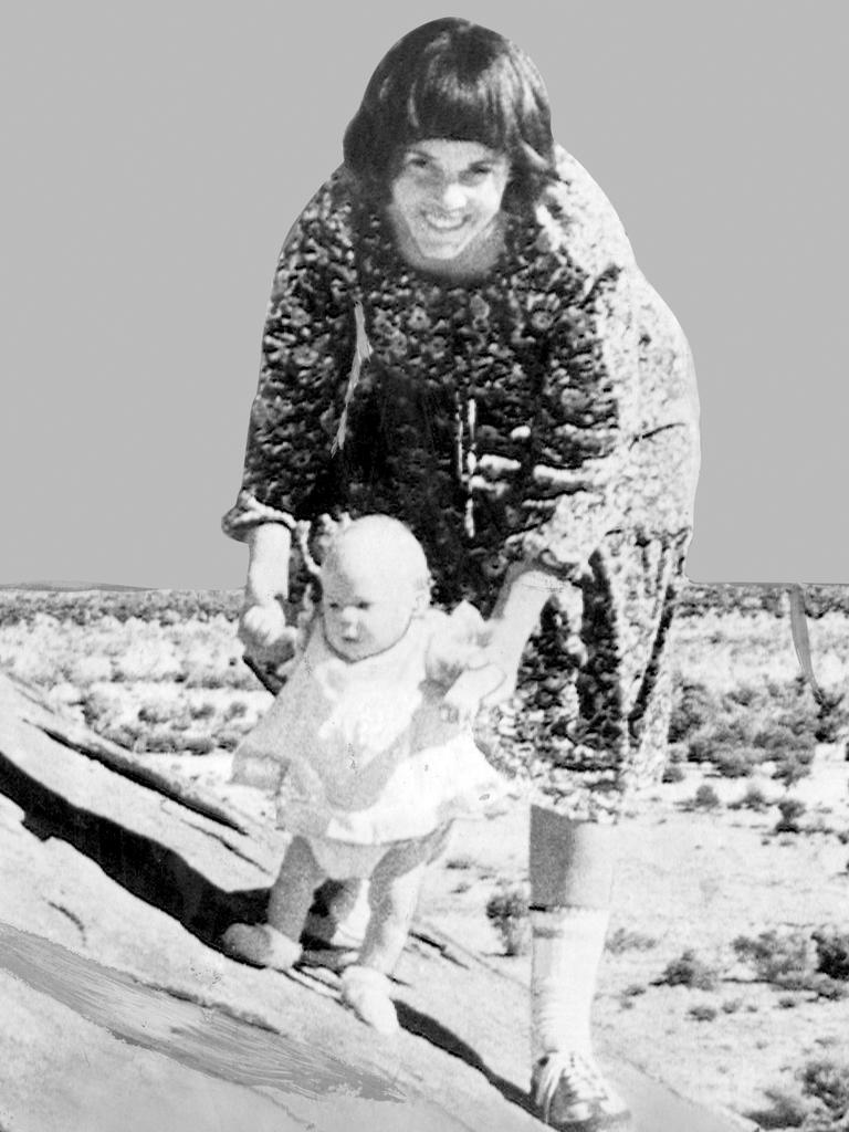 Lindy Chamberlain holding baby Azaria on Ayers Rock.