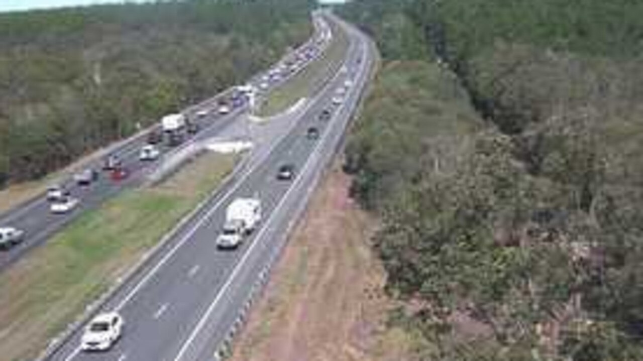 Traffic is building heading south to Brisbane. Photo: Department of Transport and Main Roads