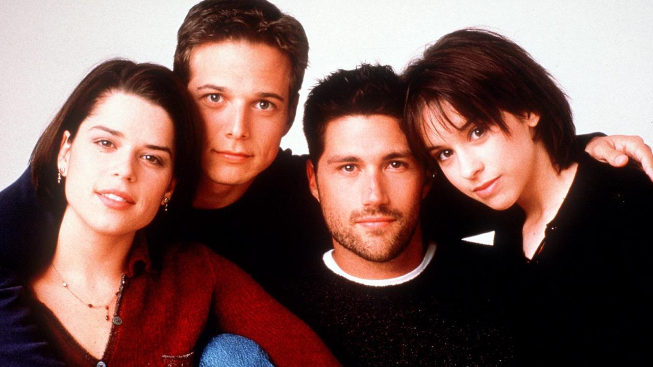Actors (L-R) Neve Campbell, Scott Wolf, Matthew Fox & Lacey Chabert in TV show Party Of Five.