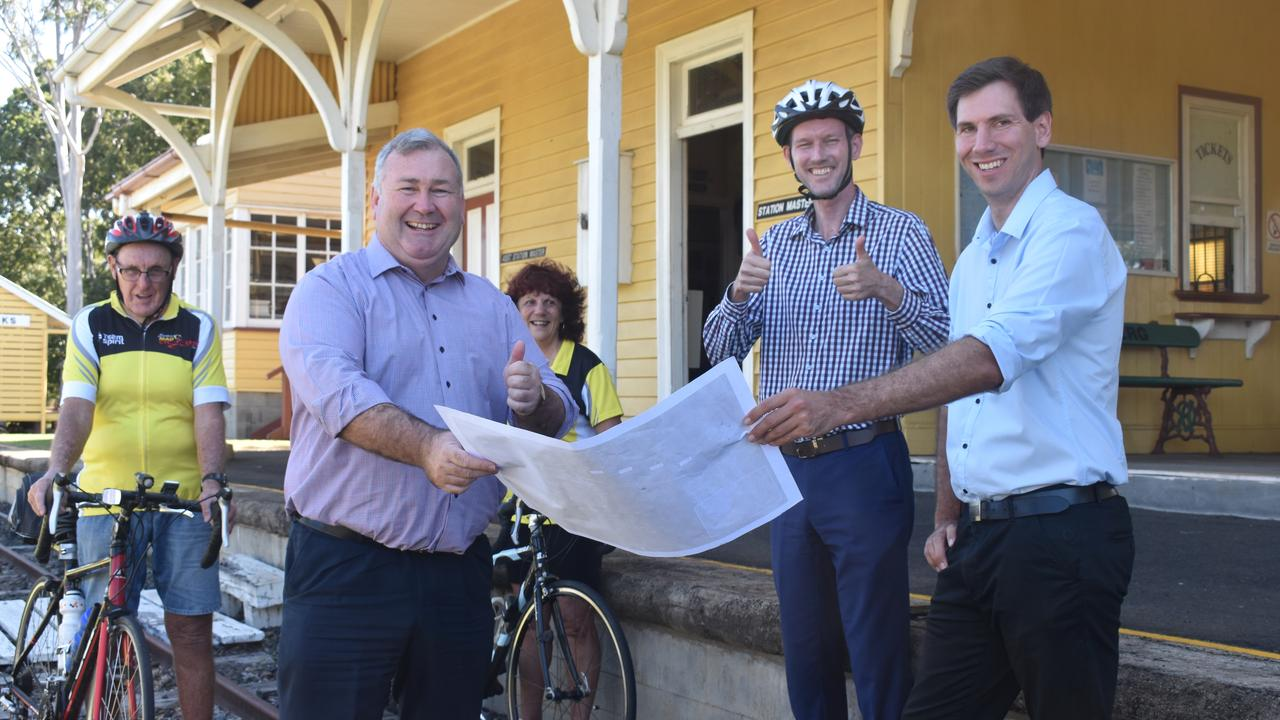 Transport and Main Roads Minister Mark Bailey joined Bundaberg Mayor Jack Dempsey, Labor candidate Tom Smith and local cyclists for the announcement.