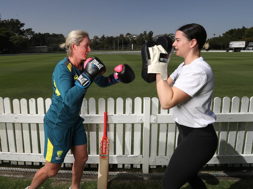 Australian Women's cricket player Beth Mooney and Commonwealth Games featherweight gold medallist Skye Nicolson. Picture: Annette Dew