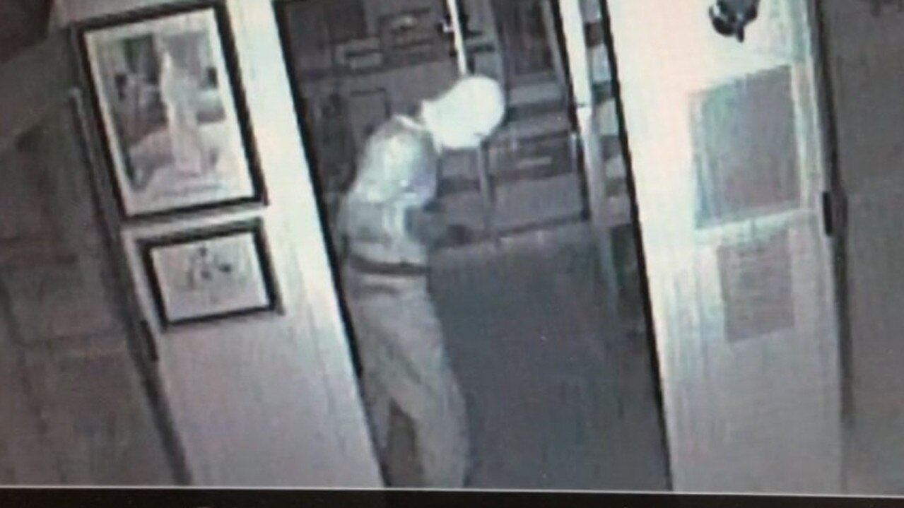 CCTV footage of the Gympie Gold Mining and Historical Museum thief.