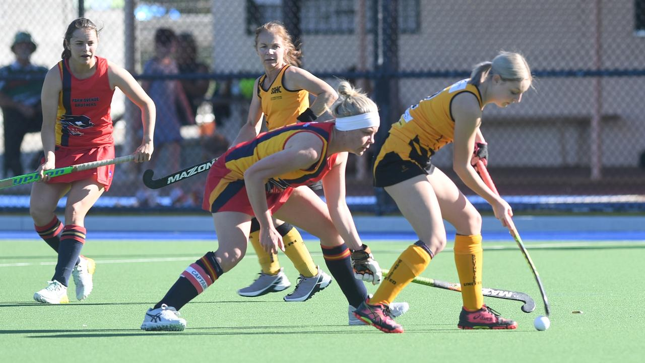 Park Avenue and Southern Suburbs Gold played out a 1-all draw in the Division 1 women's game on Saturday. Photo: Jann Houley