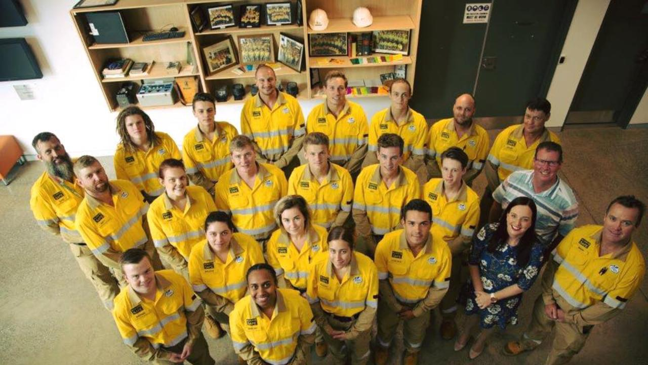 Brittany Lauga MP and Barry O'Rourke MP with, Front Left – Shelby Warcon, Teagan Spratt. Far Right – Brian Dingle Area Manager Capricornia. Second row Left to Right – Nathan Poole, Brooke Leard, Gabbi Hyde, Lyncoln Rebel. Third Row Left to Right – Matt Easton, Jamie Costello, Nathan Cocker, Cooper Johnson, Ben Wilkinson, Harry Phillis. Back Row Left to Right – Luke Offord Apprentice Coordinator,