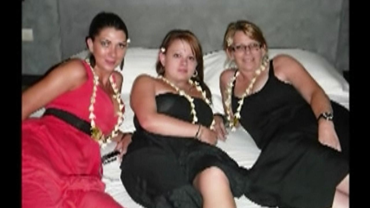 Shandee Blackburn (middle), with her sister Shannah (left) and her mother Vicki Blackburn.