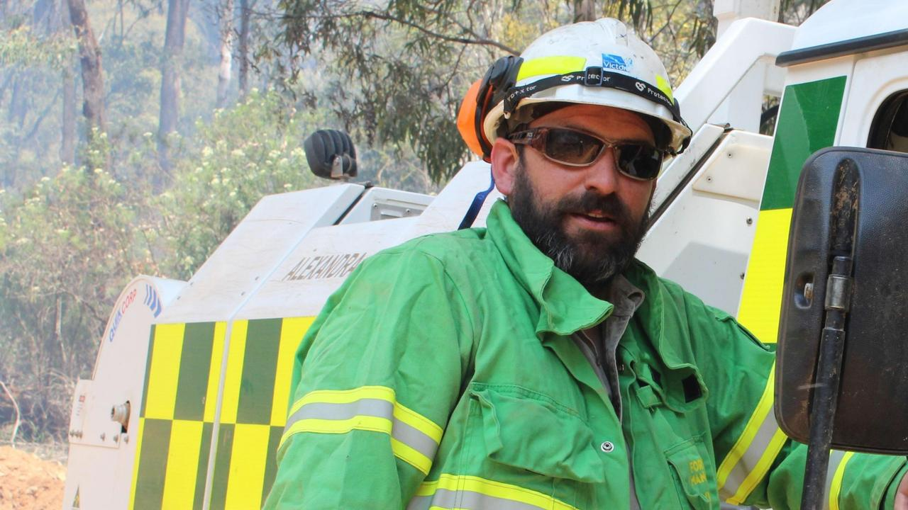 A driver wasn't paying attention when he veered onto the wrong side of the road and killed a firefighter working during the state's dangerous bushfire season.
