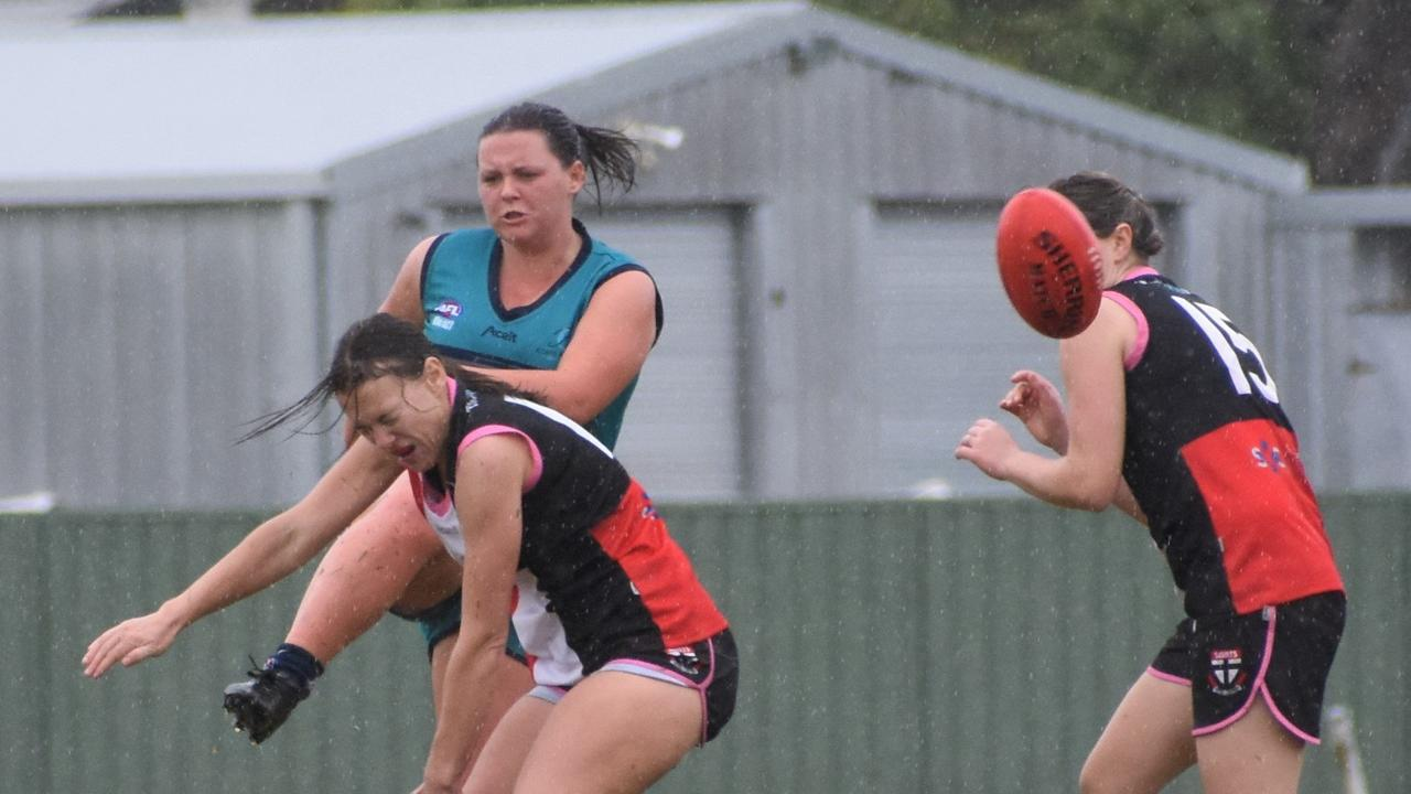 Coffs Harbour Breakers Women's team put the competition on notice with their victory over Sawtell Toormina Saints.
